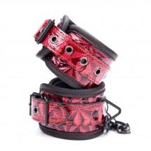 Дизайнерские наручники красно-черного цвета