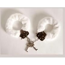 Белые меховые наручники Lux Fetish Cuffs